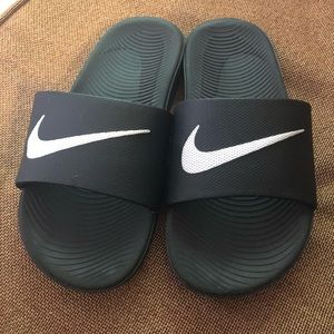 Other - Nike Boys Sandals Size 4Y